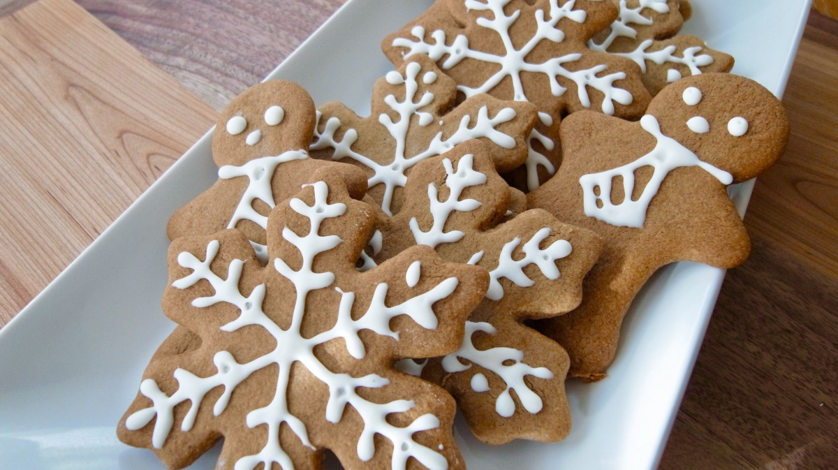 Christmas Cookies: Swedish Kringla and Pumpkin Gingerbread | Less ...
